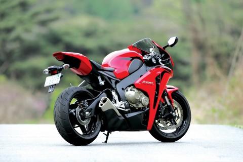 本田cbr1000rr摩托 手机壁纸